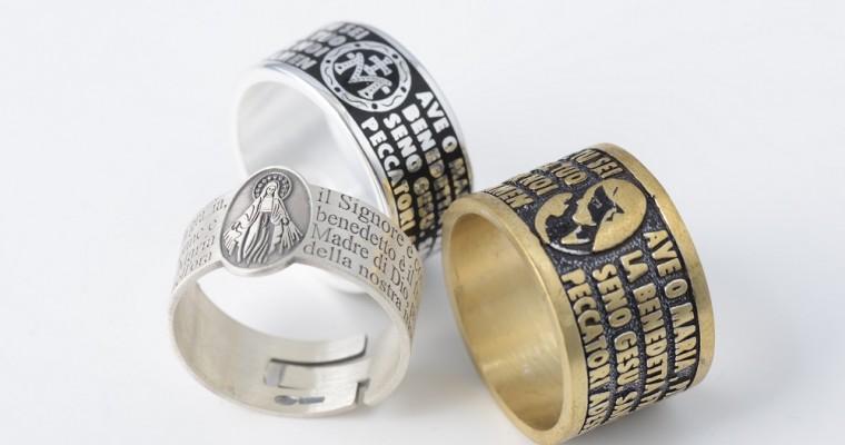 Dar voz a su propia fe con los anillos oración