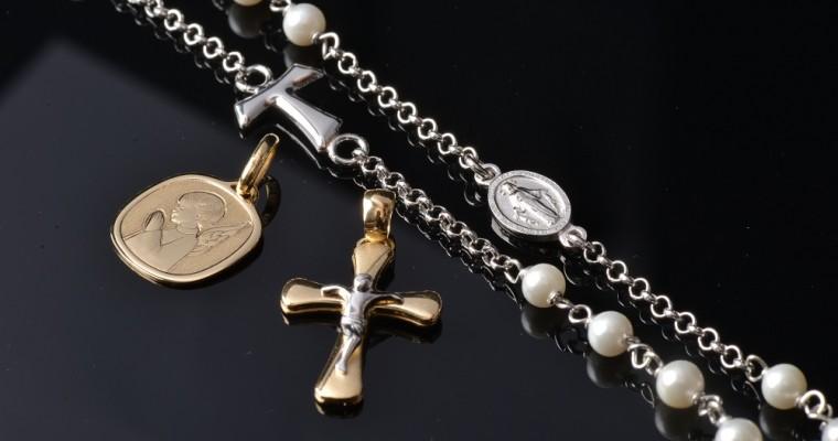 Combinar elegancia y fe: descubriendo las joyas Holyart