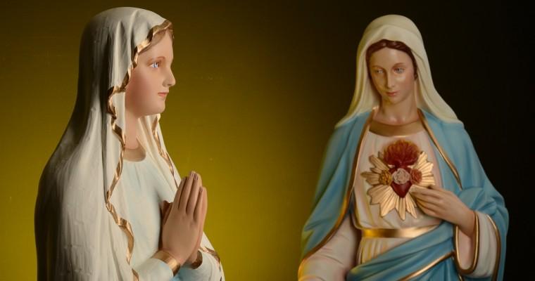 Las estatuas de la Virgen María en el sur de Italia