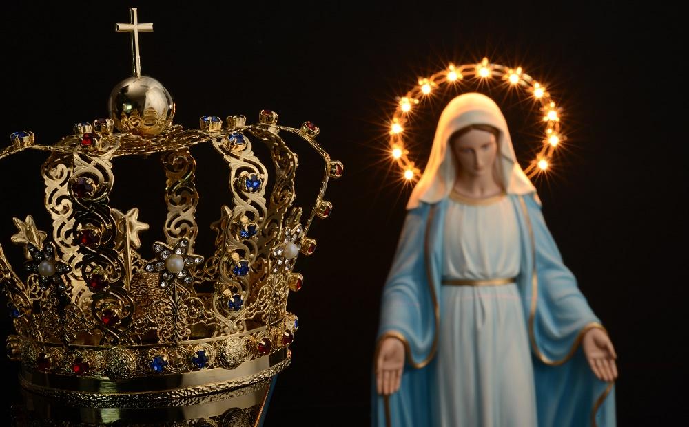 Aros y coronas para las estatuas