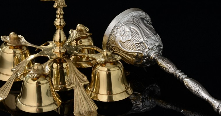 Las campanillas litúrgicas en las celebraciones religiosas